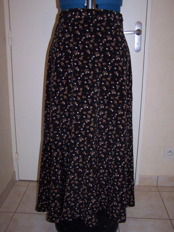 Jupe Diana, tissu fluide à fleurs brunes